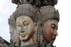 Beeldhouwwerken, houtsnijwerken, oud Mooi land van Thailand Royalty-vrije Stock Foto's