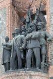Beeldhouwwerken op het Monument van de Republiek bij Taksim-Vierkant in Istanboel Stock Afbeeldingen