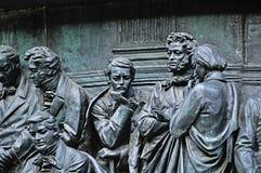 Beeldhouwwerken van Monumentenmillennium van Rusland in Veliky Novgorod, Rusland stock afbeeldingen