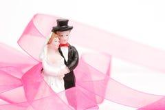Beeldje onlangs-gehuwd paar royalty-vrije stock afbeelding