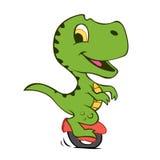 Beeldverhaal Dino op elektrisch voertuig van een wiel Royalty-vrije Stock Foto's
