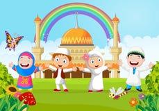 Beeldverhaal gelukkig jong geitje moslim met regenboog stock illustratie