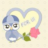 Beeldverhaal gelukkige Uil met een roos en een hart Stock Illustratie
