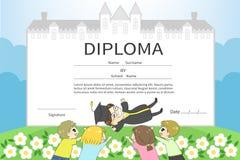 Beeldverhaal mannelijke student met het diplomace van de vriendenviering Royalty-vrije Stock Foto's