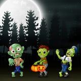 Beeldverhaal van drie zombieën in de tuin bij nacht stock illustratie