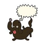 beeldverhaalhond die uit tong met toespraakbel plakken Stock Afbeelding