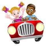 Beeldverhaalkarakters die Auto drijven royalty-vrije illustratie