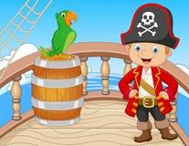 Beeldverhaalpiraat op het schip met groene papegaai Stock Fotografie