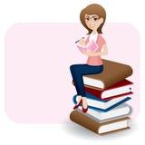 Beeldverhaalvrouw het schrijven agenda op stapel van boek Royalty-vrije Stock Afbeelding