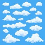 Beeldverhaalwolken bij de blauwe vectorinzameling die van het hemelpanorama worden geïsoleerd Stock Afbeeldingen