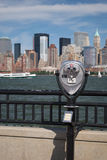 Beeldzoeker die de Stad van New York bekijkt Royalty-vrije Stock Foto