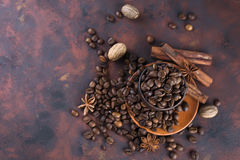 Beens Coffe с специями Стоковое Изображение