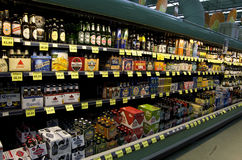 Beer alcohol drinks grocery store Stock Photos