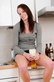beer drinking woman young Στοκ Εικόνες