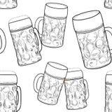 Beer glass seamless pattern. Sketch background with beer mug. Drink german beverage background Royalty Free Stock Photos