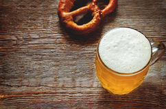 Beer and pretzel Royalty Free Stock Photography