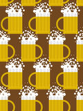 Beer seamless pattern. Beer mug  background. Mug with foam Stock Photos
