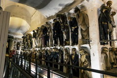Beerdigung in den Katakomben der Capuchins in Palermo sizilien stockfotografie