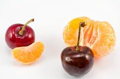 Beere und splitted Orange Stockfotos