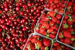 Beeren, Erdbeere, Kirsche Stockbild