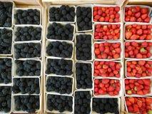 Beeren am Markt Lizenzfreies Stockbild
