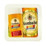 Beermat de la cerveza de Krombacher weizen Aislado en el fondo blanco Fotos de archivo