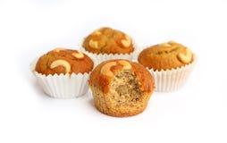 Beetbanaan cupcake met cashewnoot stock foto