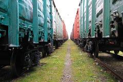 Beetween twee goederentreinen Stock Afbeelding