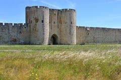Befästning av Aigues Mortes i Frankrike Arkivfoto
