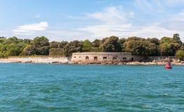 Befästning på en havskust Royaltyfri Bild