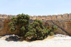 Befästningar på den Spinalonga ön, Kreta Royaltyfri Fotografi