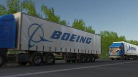 Befördern Sie halb LKWs mit Logo Boeing Company, das entlang Waldweg fährt Redaktionelle Wiedergabe 3D Lizenzfreies Stockbild