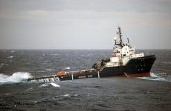 Befestigen Sie das Handhaben von halb submergible in der Nordsee Stockfoto