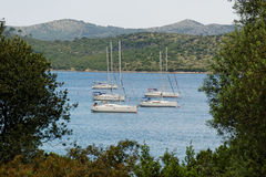 Befestigte Segelnboote Lizenzfreies Stockfoto