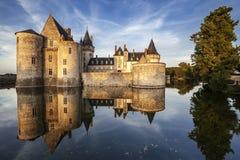 Befläcka-sur-loire. Frankrike. Chateau av Loiret Valley. Fotografering för Bildbyråer