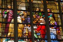 Beflecktes Fenster in der Kathedrale Lizenzfreie Stockbilder