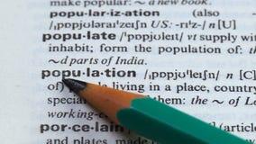 Befolkning, blyertspenna som pekar definition, folk som bor i ett ställe, eller land lager videofilmer
