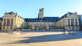 Befrielsefyrkant och slotten av hertigar av Bourgogne Arkivbilder