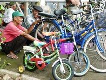 Begagnade cyklar Royaltyfri Fotografi