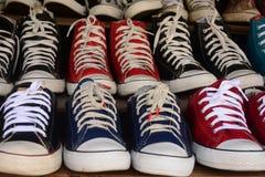 Begagnade skor Fotografering för Bildbyråer