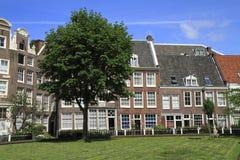 Begijnhof в Амстердаме, Нидерланды Стоковые Фотографии RF