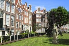 Begijnhof в Амстердаме, Нидерланды Стоковые Изображения