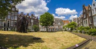 Begijnhof в Амстердаме Стоковые Фото
