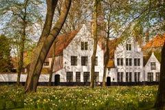 Begijnhof in Brugge, België stock afbeeldingen