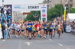 Begin op de Internationale Halve Marathon 2015 van Boekarest Stock Foto