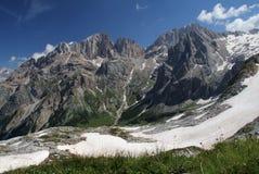 Begin van de zomer in Dolomiet: Gran Vernel stock afbeeldingen