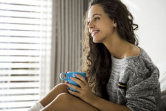 Beginnen Sie ein Tag mit einem frischen Kaffee Stockbild