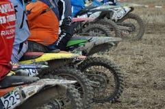Beginnen Sie am Motocrossrennen Stockbild