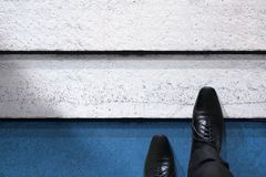 Beginnen Sie oben, Geschäfts-Herausforderung oder tun Sie neues etwas Draufsicht von BU stockfotos