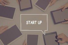 BEGINNEN Sie OBEN KONZEPT Geschäfts-Konzept stockfotografie